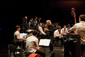 Voces flamenco BIG BAND sous la direction de Perico SAMBEAT
